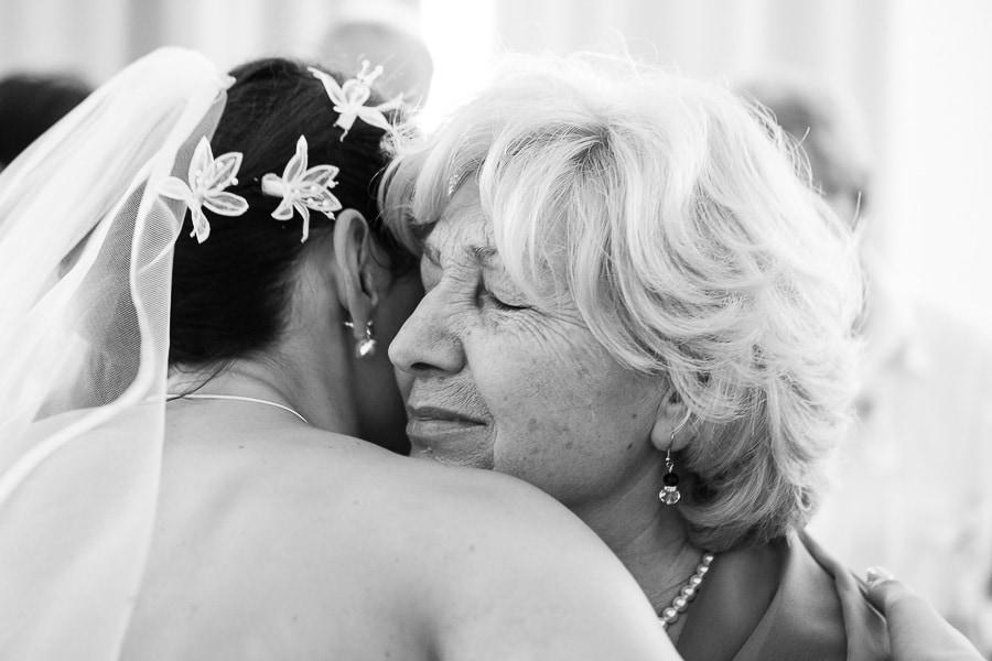 27 Braut und Mutter