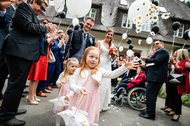Trauung-Haus-am-See-Fischbach-Hochzeitsfotograf-Friedrichshafen-K42-18