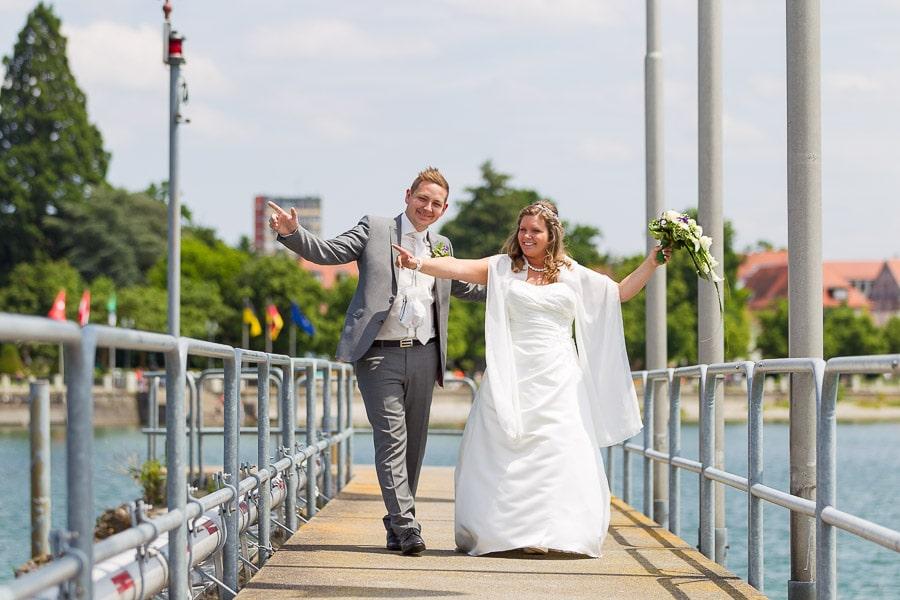 glückliches Brautpaar am Bodensee