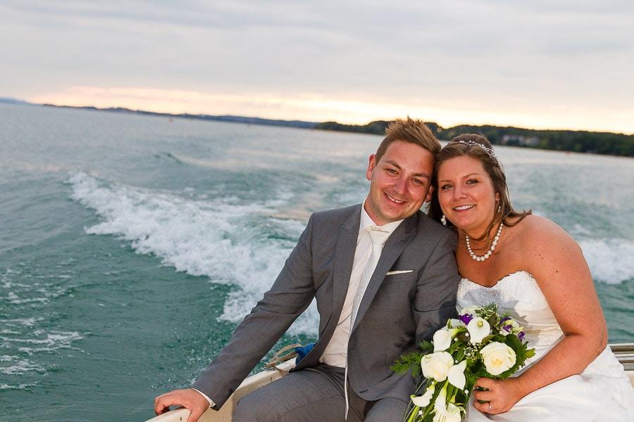 Brautpaar auf dem See