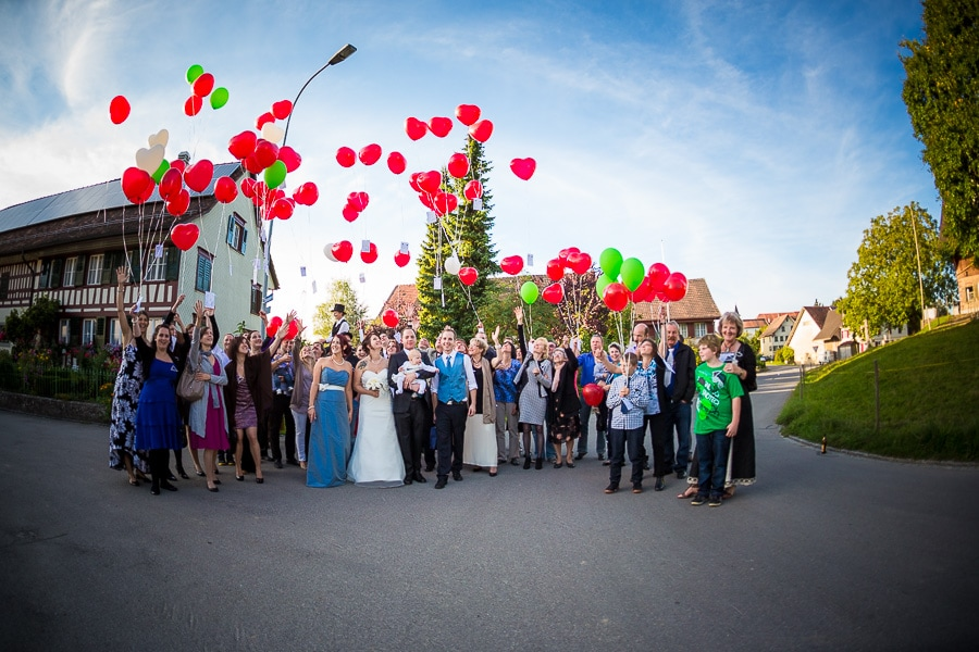 Gruppenbild mit Luftballons