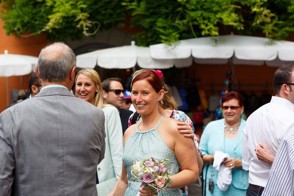 Braut freut sich