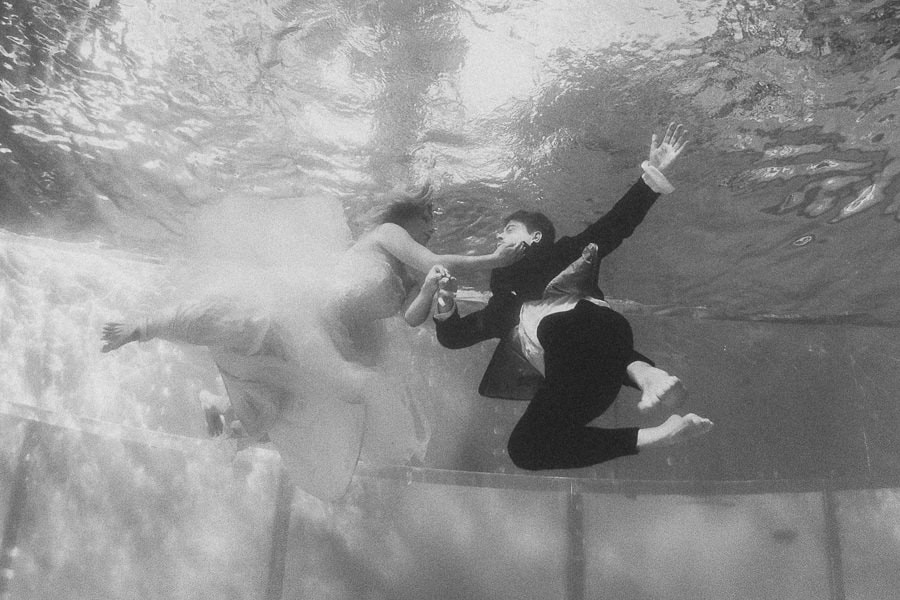 Underwaterphotography wedding