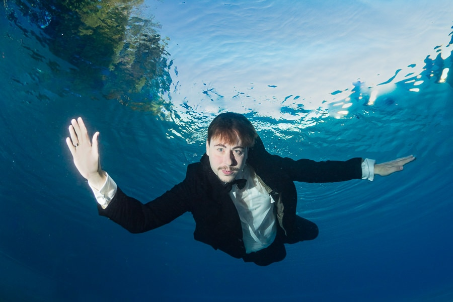 Bridesman underwater