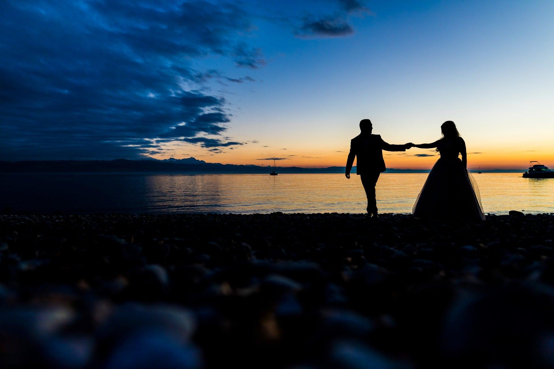 Brautpaar im Sonnenuntergang - Hochzeitsfotograf am Bodensee